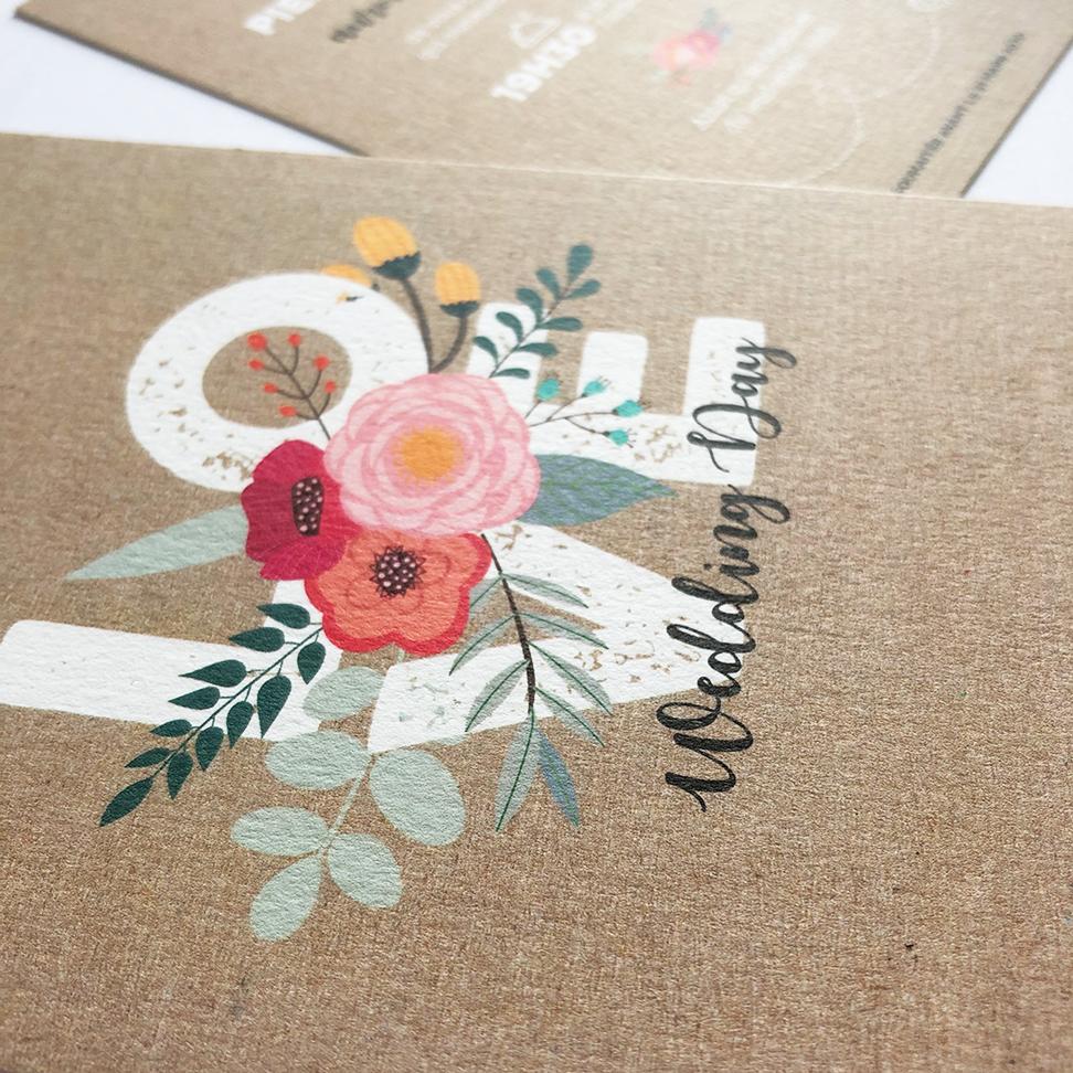 Faire-part de mariage, papier craft, motifs à fleurs.