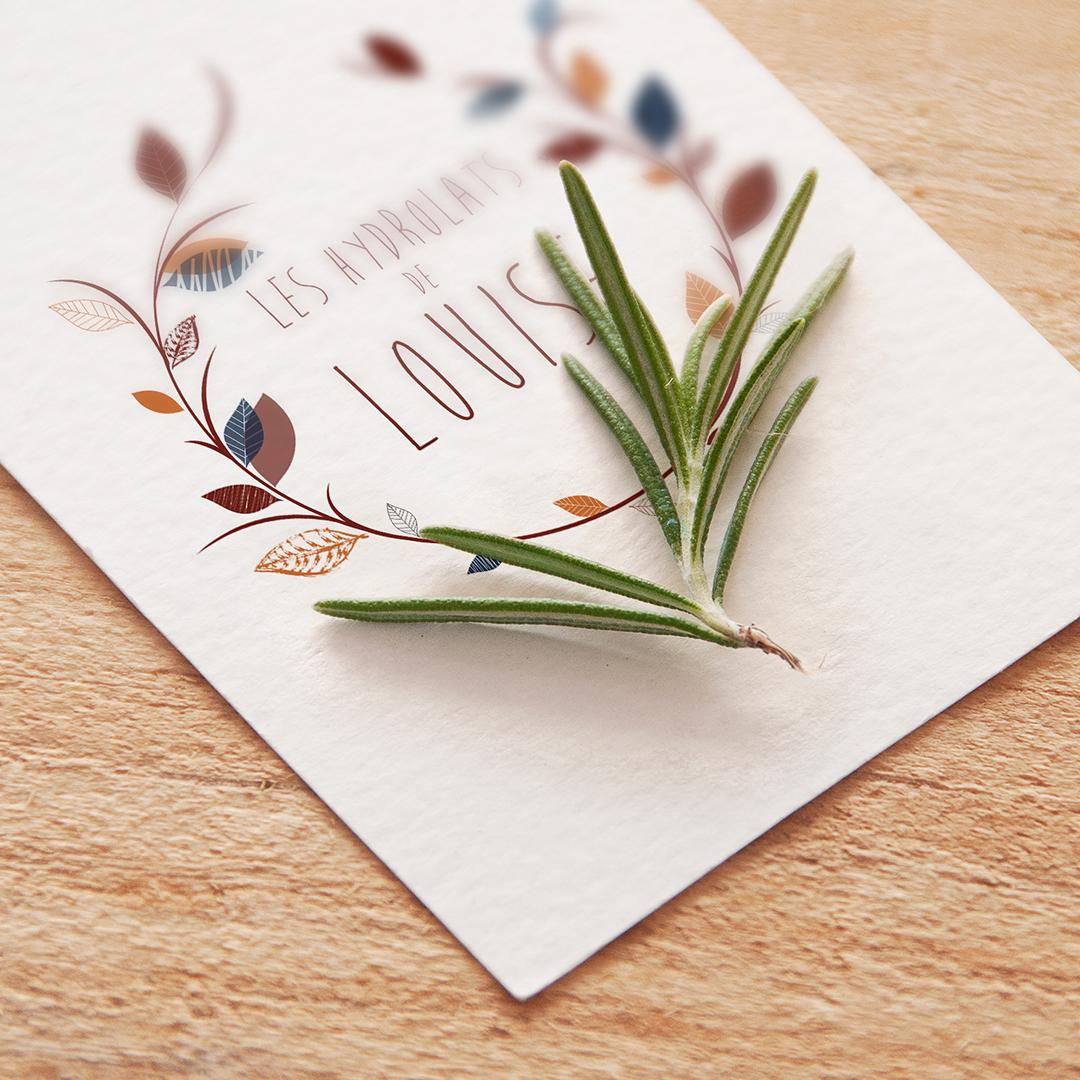 Étiquettes d'eaux florales bio, creation d'identité visuelle, création de logo, graphisme, design graphique